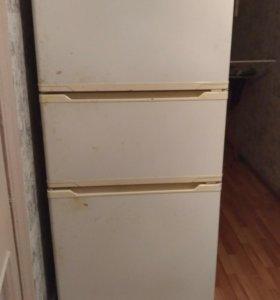 Трехкамерный холодильник GoldStar