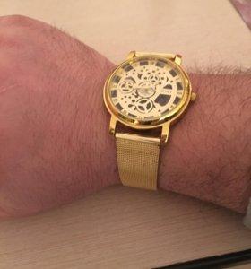 На ручные часы.