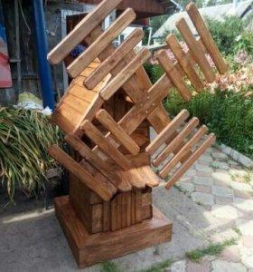 Деревянная мельца, декоративная для сада.
