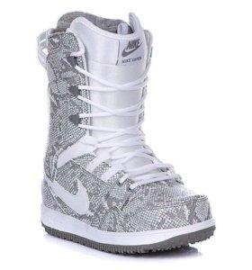 Ботинки сноубордические женские (новые)