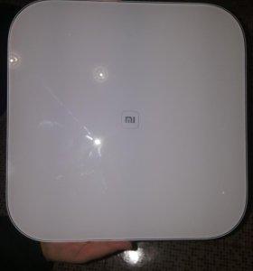 Умные весы Xiaomi Mi Smart Scale.