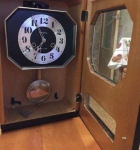 Настенные часы с боем Янтарь, СССР