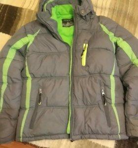 Зимняя куртка б/у 10-12 лет