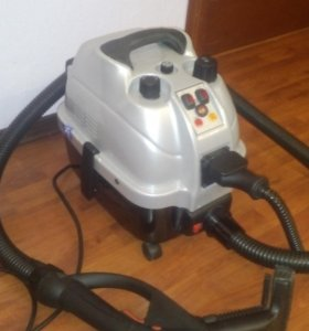 Пылесос с пароочистителем и водным фильтром