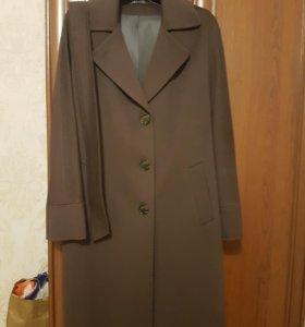 Новое шикарное очень дорогое пальто