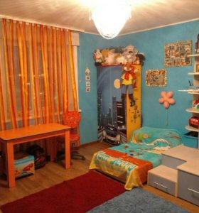 Продам мебель в детскую комнату (шкаф, стеллаж...)