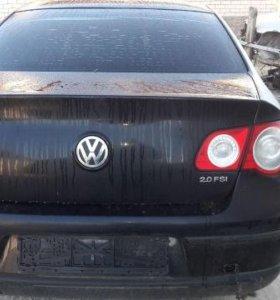 Volkswagen Passat B6 задняя часть авто