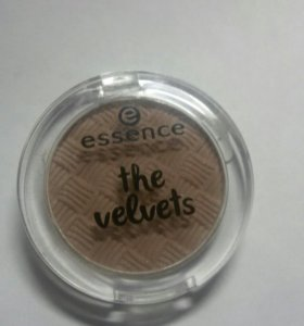 Тени essence the velvets тауп. Новые.