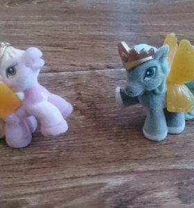 Игрушки, фигурки две лошадки (пегаски)