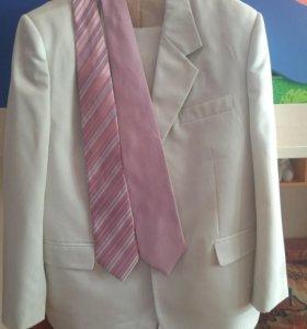 Костюм +2 галстука