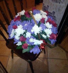 Делаю подарки из цветов и конфет