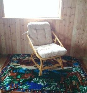 Мягкий уголок(диван, кресло, столик)