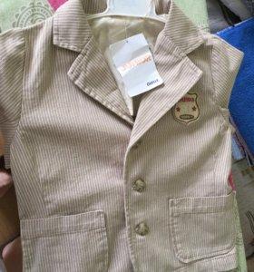 Новый фирменный пиджак на мальчика