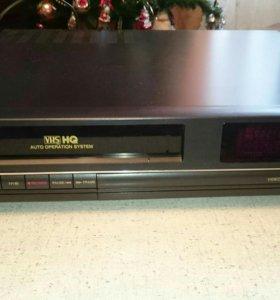 Видеомагнитофон кассетный. GoldStar