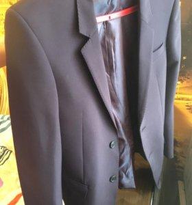 Продам выпускной костюм