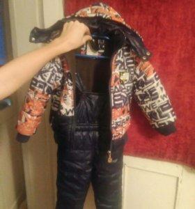 демисезонный костюм на мальчика 1,5-3 года