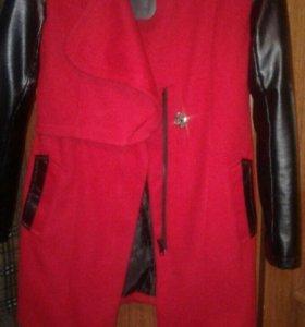 Пальто и меховая жилетка
