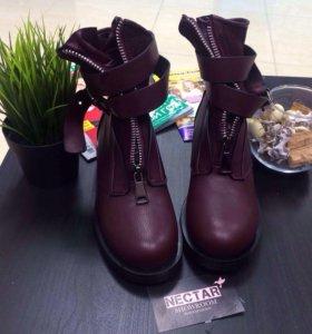 Ботинки 40размер