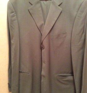 Костюм мужской (пиджак и брюки). Размер 52/182