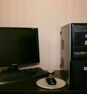 Системный блок с монитором