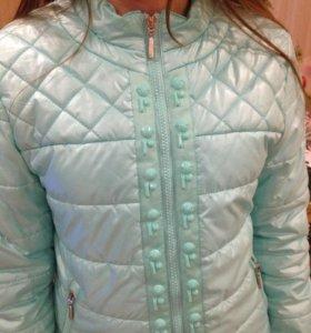 Куртка демисезонная на девочку рост 146-152