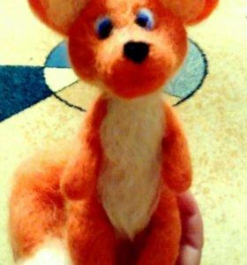 Очаровательная лисичка