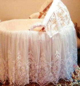 Колыбель плетёная для новорождённых
