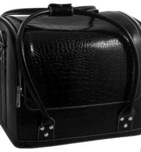 Сумка-чемодан  для маникюра  Новый в наличии