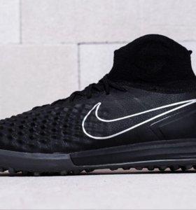 Футбольная обувь Nike MagistaX