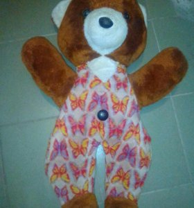 Плюшевый медведь