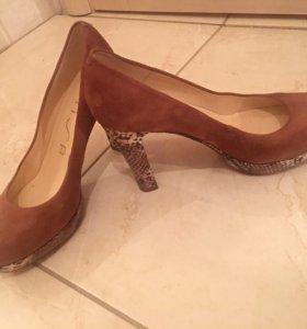 Новые туфли женские замшевые