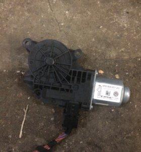 Мотор стеклоподъемника Фольцваген поло