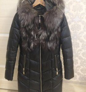 Продам зимнюю куртку с мехом