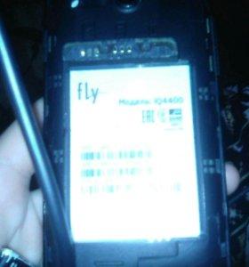Продам телефон fly