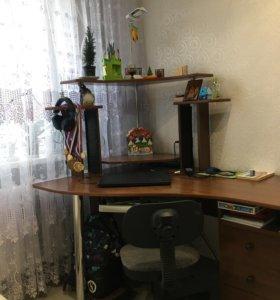 Стол компьютерный ,угловой