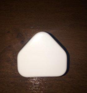 Новое зарядное устройство в плёнке Apple Iphone