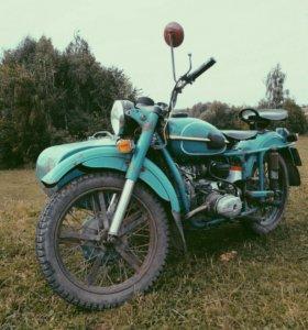 Мотоцикл Урал М67