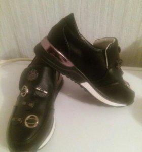 Обувь кросовки для девочки 32р