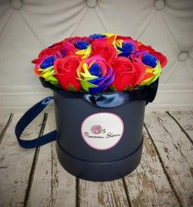 Неувядающие цветы в шляпной коробке