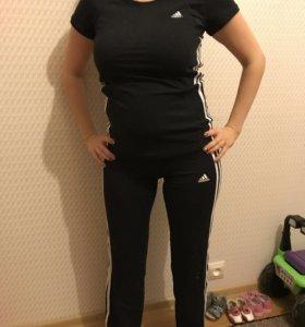 Спортивный костюм Adidas 42-44 р