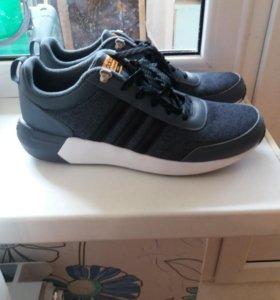 Новые кросовки ф Адидас