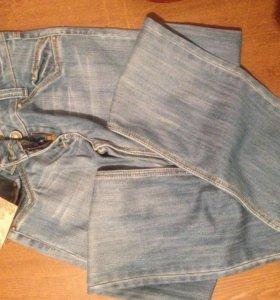 джинсы новые совершенно .