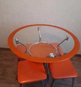 Кухонный стол+ табуреты
