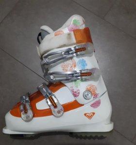 горнолыжные ботинки ROXY женские 26.5 (40)