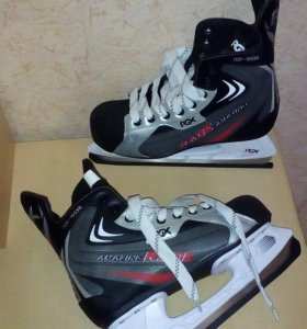 Хоккейные коньки новые 42 размер