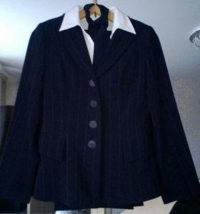 Костюм:пиджак,юбка,брюки,блузка,галстук