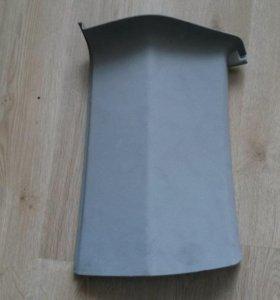 Обшивка задней левой стойки на Т5 Т6 фольксваген