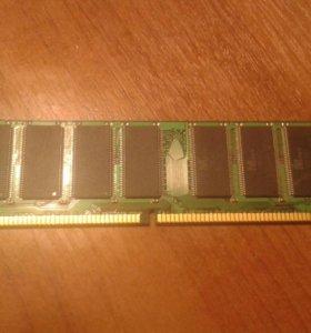 Оперативная память на 512МБ. Тип:DDR-DIMM.