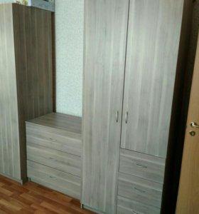 2 шкафа, кровать и комод
