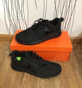 Nike Roshe Run Black